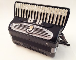 Vintage Giulietti M52 41/120 Piano accordion, LMM, with original case